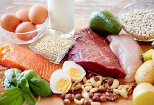 タンパク質を摂取するメリット、デメリットについて