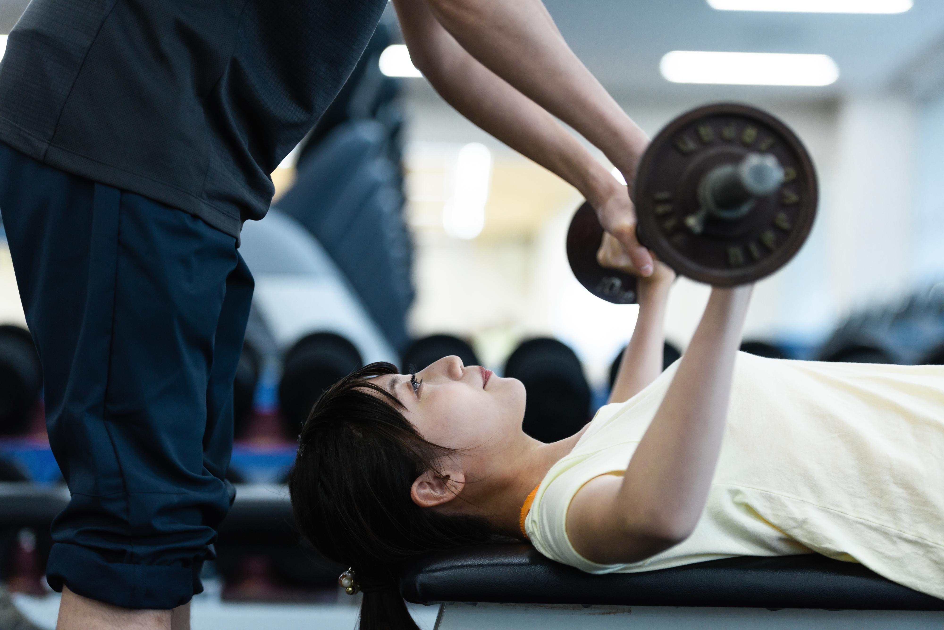 筋トレと頭痛の関係性について